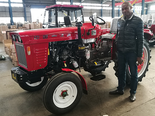 Africa customer place the order for small HP tractor